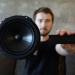 startup-resonado-reinvents-the-speaker-with-its-flat-core-technology