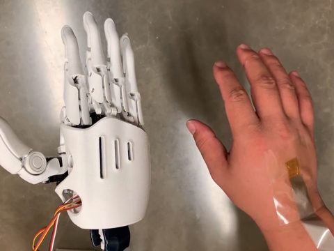 stretchy-wearable-patch-allows-two-way-communication-with-robots