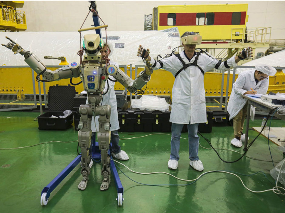 russian-humanoid-robot-to-pilot-soyuz-capsule-to-iss-this-week