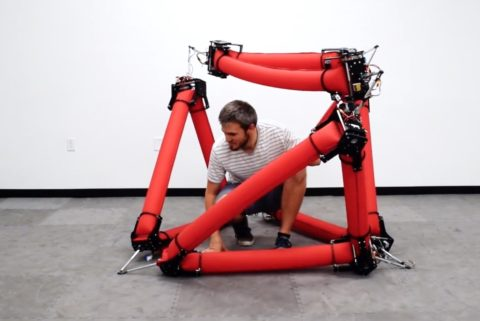 stanford-makes-giant-soft-robot-from-inflatable-tubes