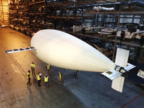 no-propeller?-no-problem.-this-blimp-flies-on-buoyancy-alone