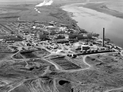 a-glass-nightmare:-cleaning-up-the-cold-war's-nuclear-legacy-at-hanford