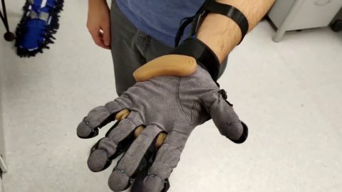 video-friday:-robotic-glove-features-telescopic-extra-thumb