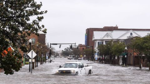 hurricane-sally:-hundreds-rescued-from-floods-as-storm-batters-alabama-and-florida