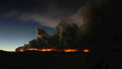 the-aptly-named-east-troublesome-fire-brings-red-skies,-evacuations-to-the-rocky-mountains