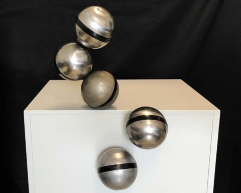 metal-spheres-swarm-together-to-create-freeform-modular-robots