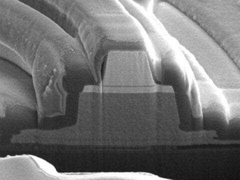 hpe-invents-first-memristor-laser