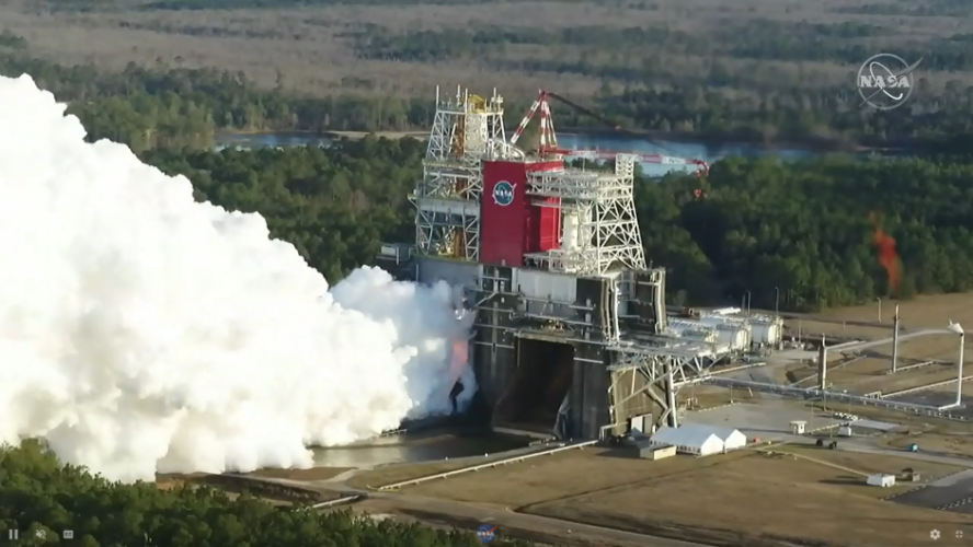 nasa-hot-fire-test-for-core-stage-of-artemis-rocket