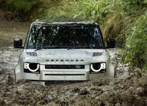 2021's-top-ten-tech-cars:-land-rover-defender