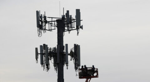 the-cellular-industry's-clash-over-the-movement-to-remake-networks