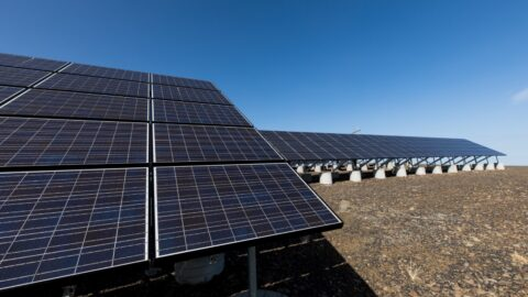 why-renewable-electricity-powers-decarbonization-—-and-pays-off