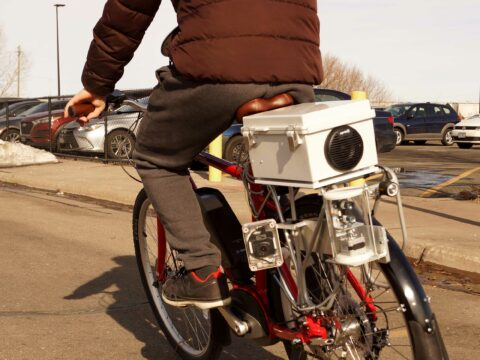 smart-bike-predicts-cars'-trajectories,-honks-to-warn-of-impending-crash