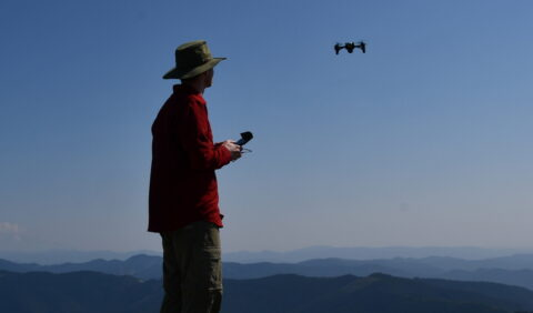 to-fly-a-drone-in-the-us.,-you-now-must-pass-faa's-trust-test