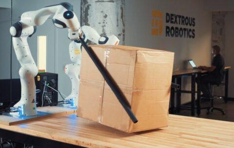 dextrous-robotics-wants-to-move-boxes-with-chopsticks