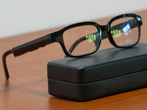 tiny-lasers-could-finally-bring-us-really-smart-ar-glasses