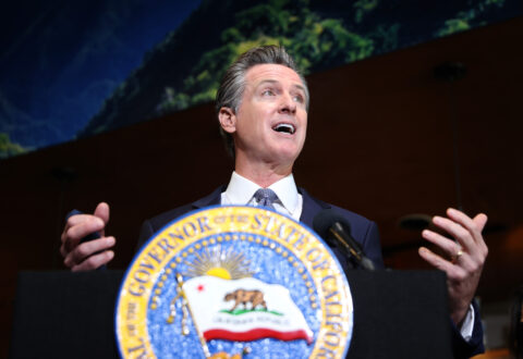 california-proposes-3,200-foot-buffer-zone-between-oil-wells-and-homes,-schools